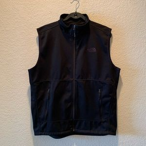 The North Face black in black soft shell vest, L